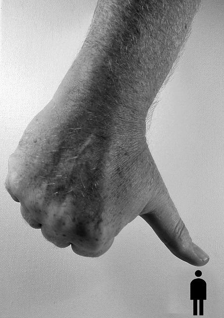 hand-70508_640