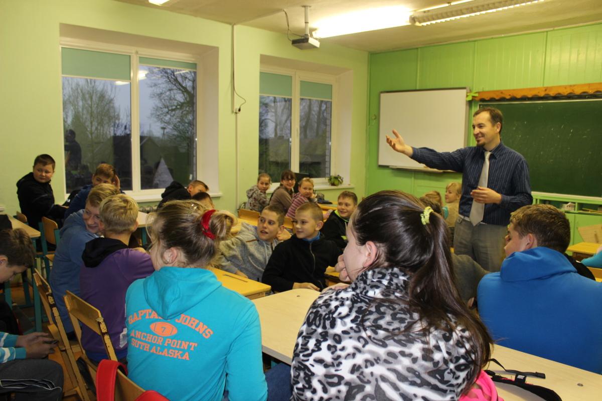 Juozo Dapšausko vedamas užsiėmimas Plungės rajono mokyklose